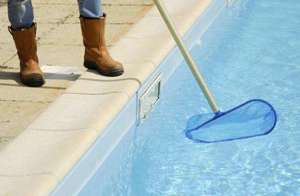 10 DIY Swimming Pool Maintenance Tips